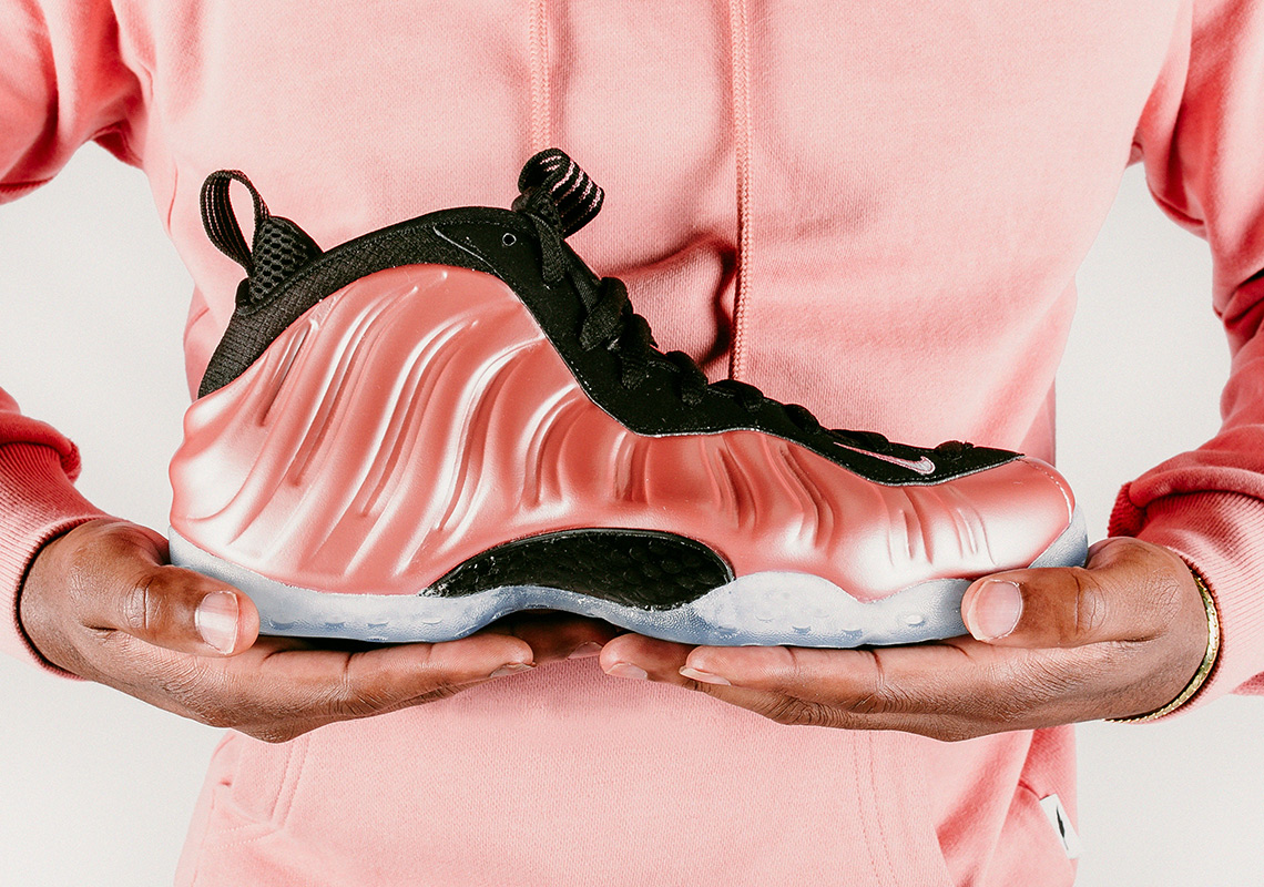 buy online 6340d 83d68 Detailed Look At The Nike Air Foamposite One