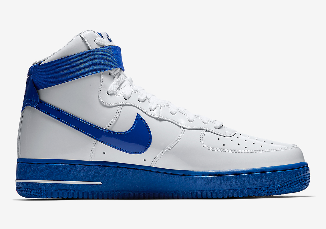 Air Force 1 Di Alta Sfondo Bianco Blu 1gDPde