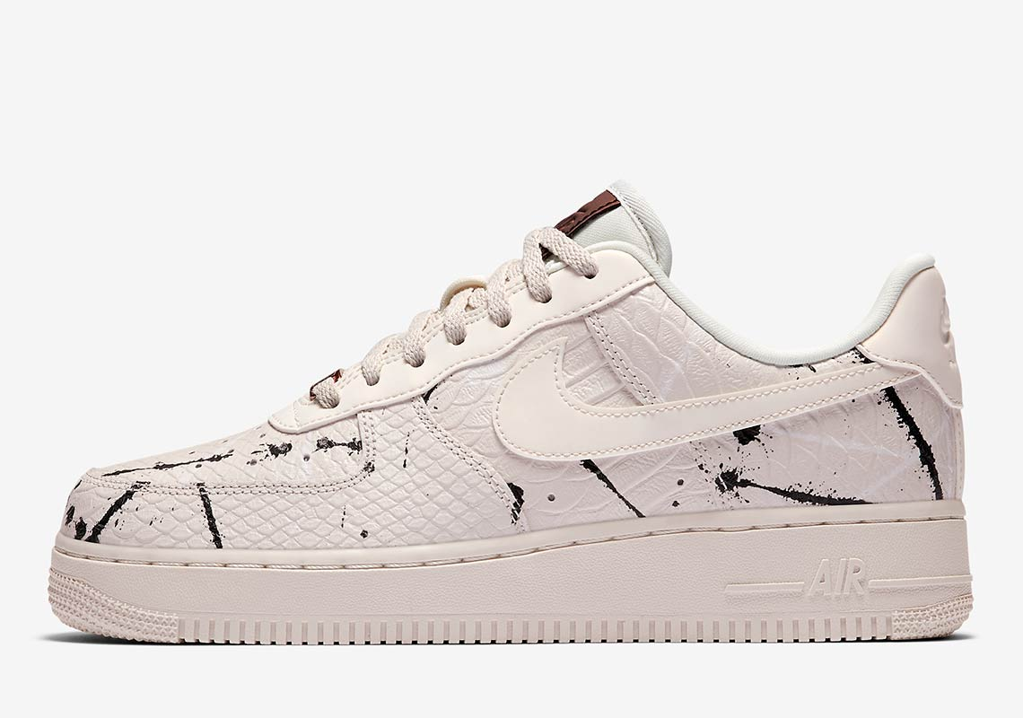 "watch 3182e 96e11 Nike Gets Premium With The Air Force 1 Low ""Phantom Snakeskin"""