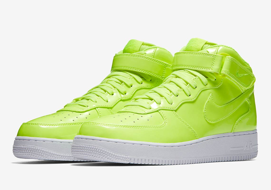 101224943a32 This Nike Air Force 1 Mid Has UV-Treated Uppers With Hidden Details