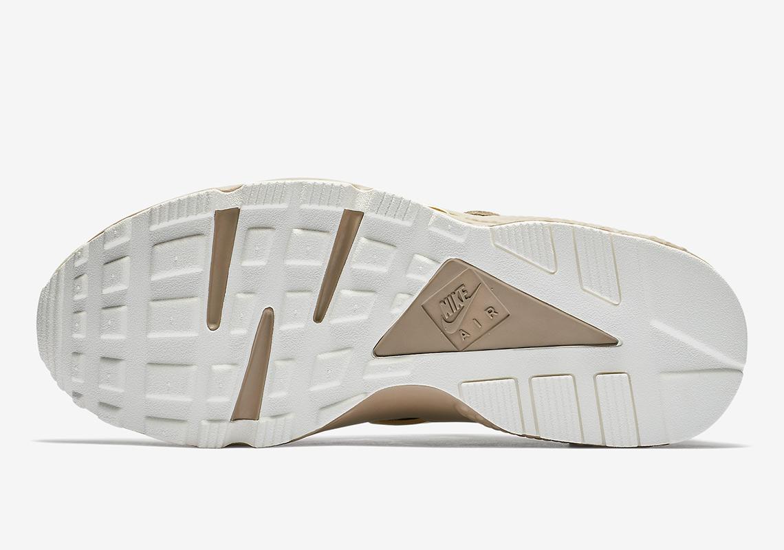 0e24b6ce7acaf Nike Air Huarache Gold Rush 704830-201