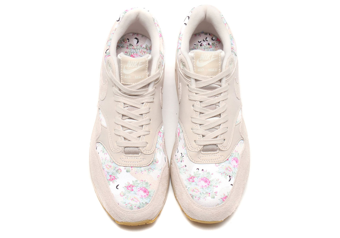 nike air max with flowers