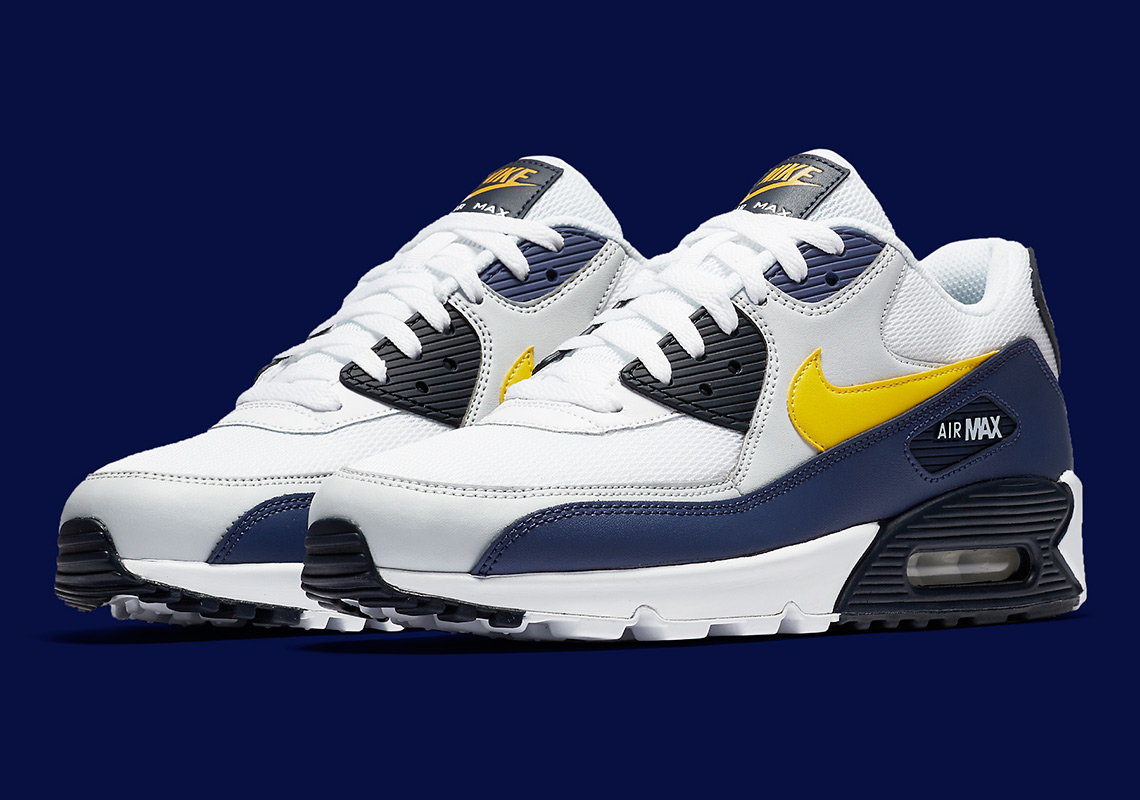 brand new f7db5 1ca5a Nike Just Released An Air Max 90 In Michigan Colors
