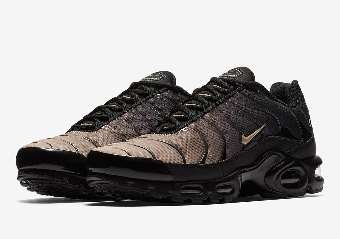949aa80500 Nike Air Max Plus AVAILABLE AT Nike EU £134.95. Color: Black/Anthracite/Desert  Sand/Sand Style Code: 852630-026. show comments