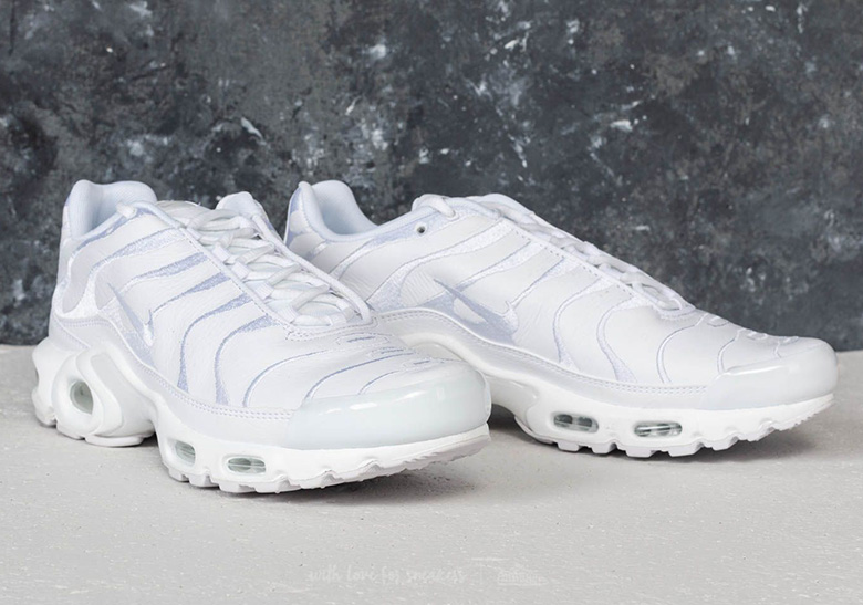 info for 4420a 8e7c3 Nike Air Max Plus Leather Uppers Black + White | SneakerNews.com