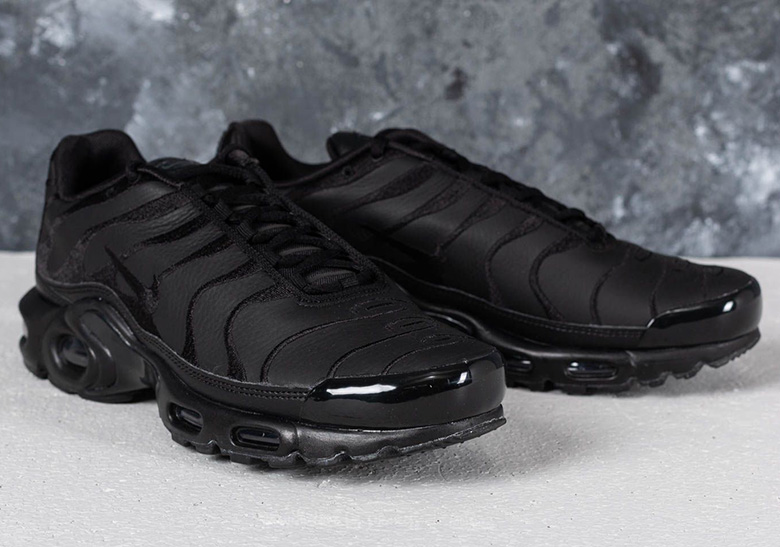 d534c63d4710 Nike Air Max Plus AVAILABLE AT Footshop Color  Black  Black-Black