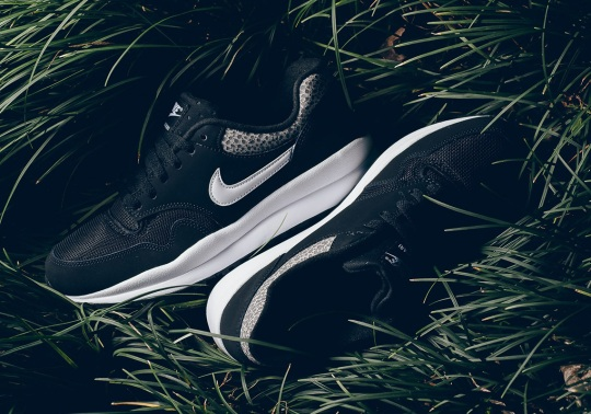 The Nike Air Safari Keeps It Simple With A Black And White Color Scheme
