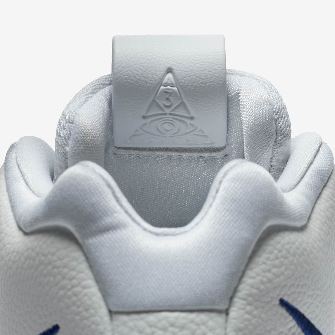 promo code cebe2 ba3b3 Nike Kyrie 4
