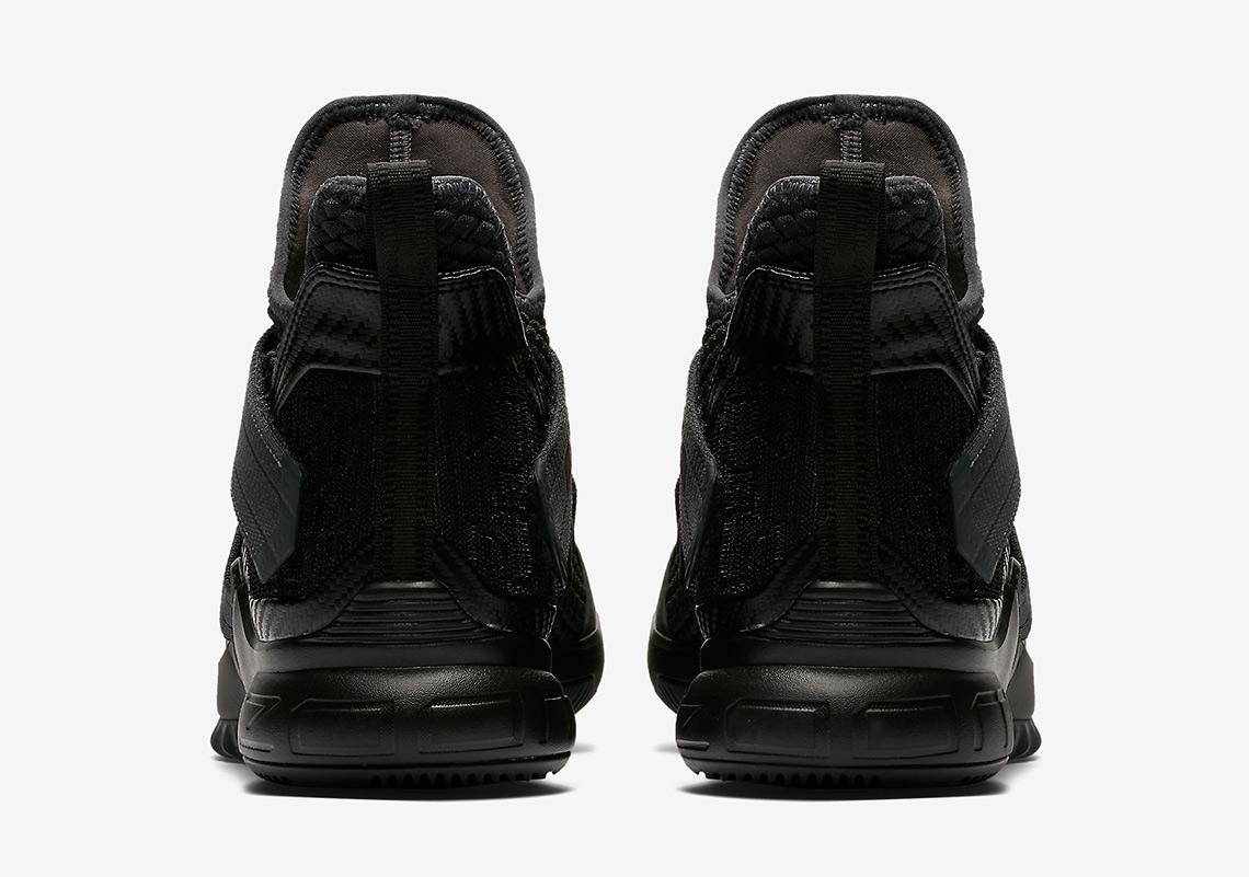 28bfbc8cf99 Nike LeBron Soldier 12