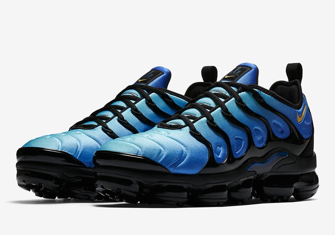 This Vapormax Plus Pays Homage To The Original Colorway Of The Air Max Plus