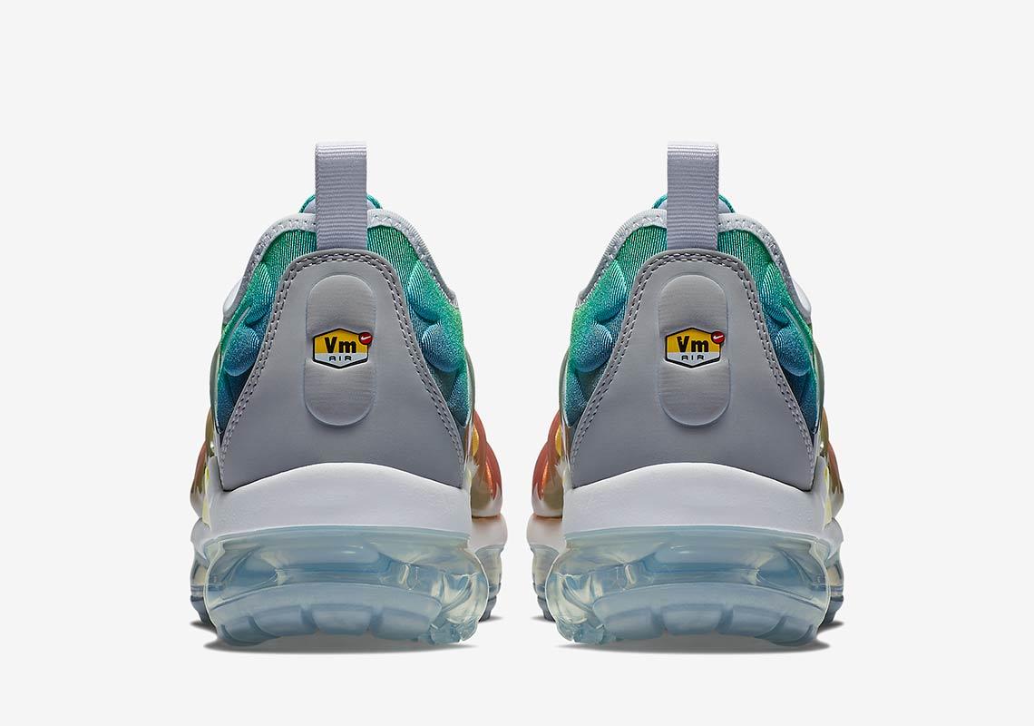 f822d316e57 Nike Vapormax Plus Rainbow First Look