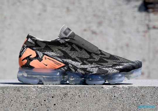 "ACRONYM x Nike Vapormax Moc 2 ""Thirsty Bandit"" Releases On May 15th"