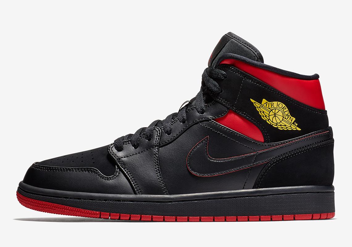 best sneakers 56416 b140d Air Jordan 1 Mid