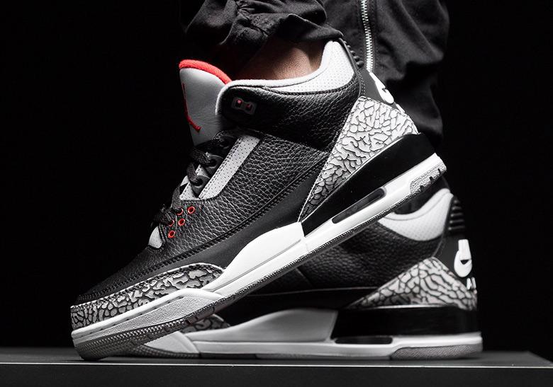 75dc47f09e0 Air Jordan Retro Restock Champs Sports Times Square May 2