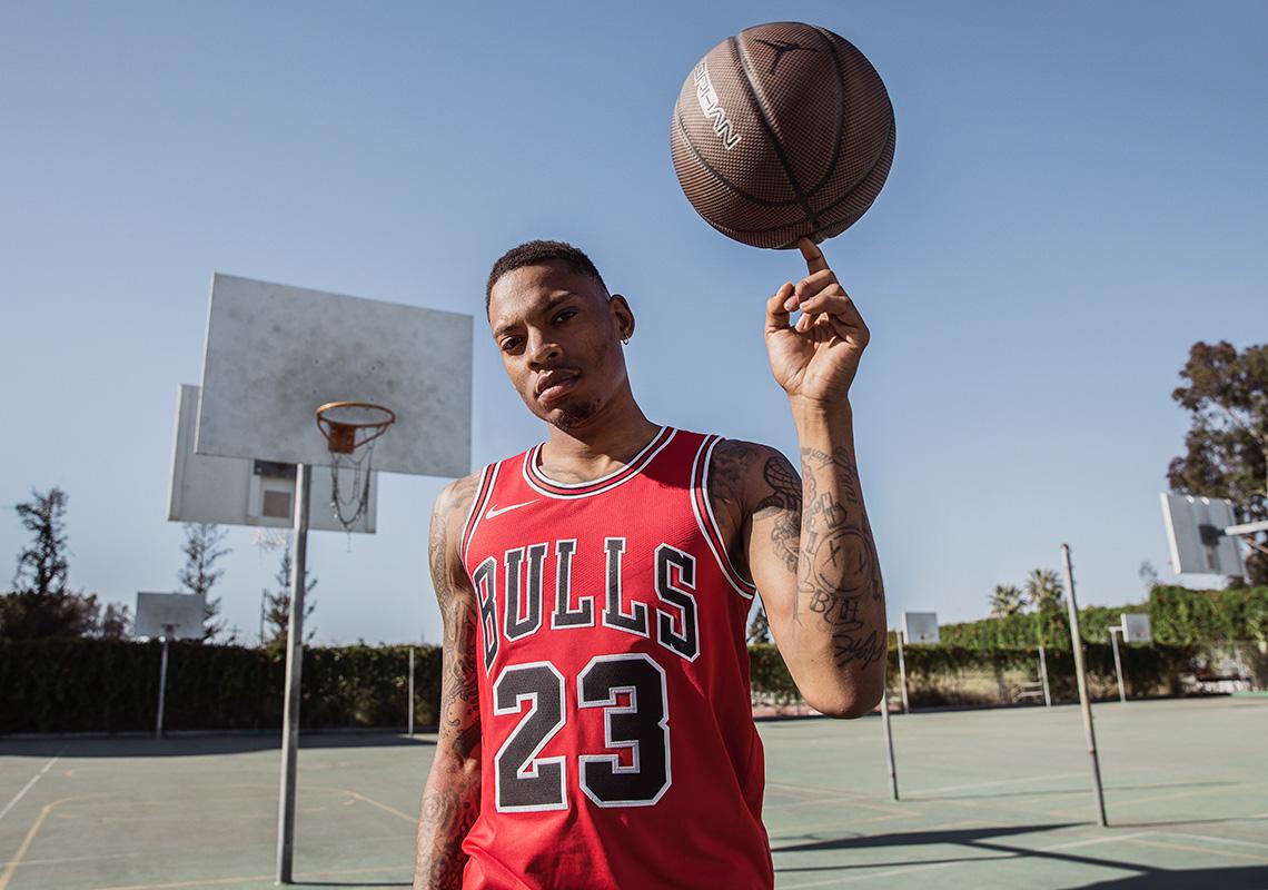 online retailer 6ab85 07d75 Michael Jordan Authentic Chicago Bulls Jersey Swingman ...