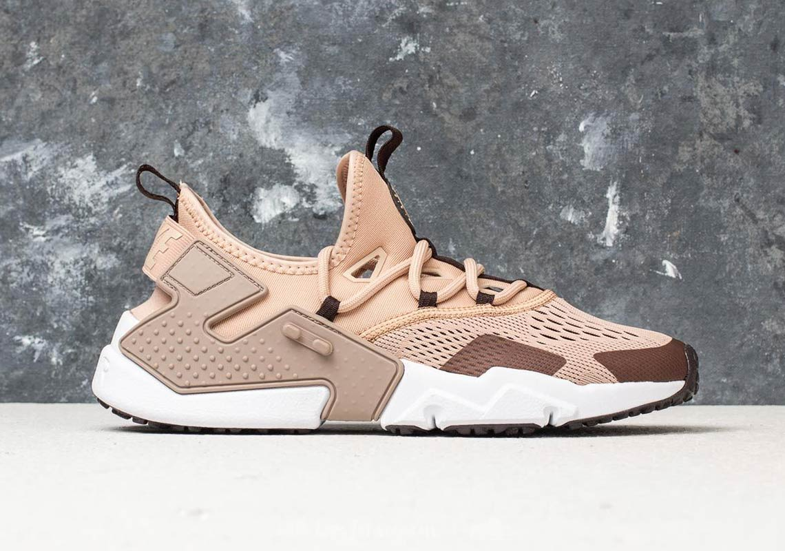 cb825496d96c Nike Air Huarache Drift Breathe AVAILABLE AT Footshop 136 € Color   Sand Velvet Brown-Sepia Stone Style Code  AO1133-200