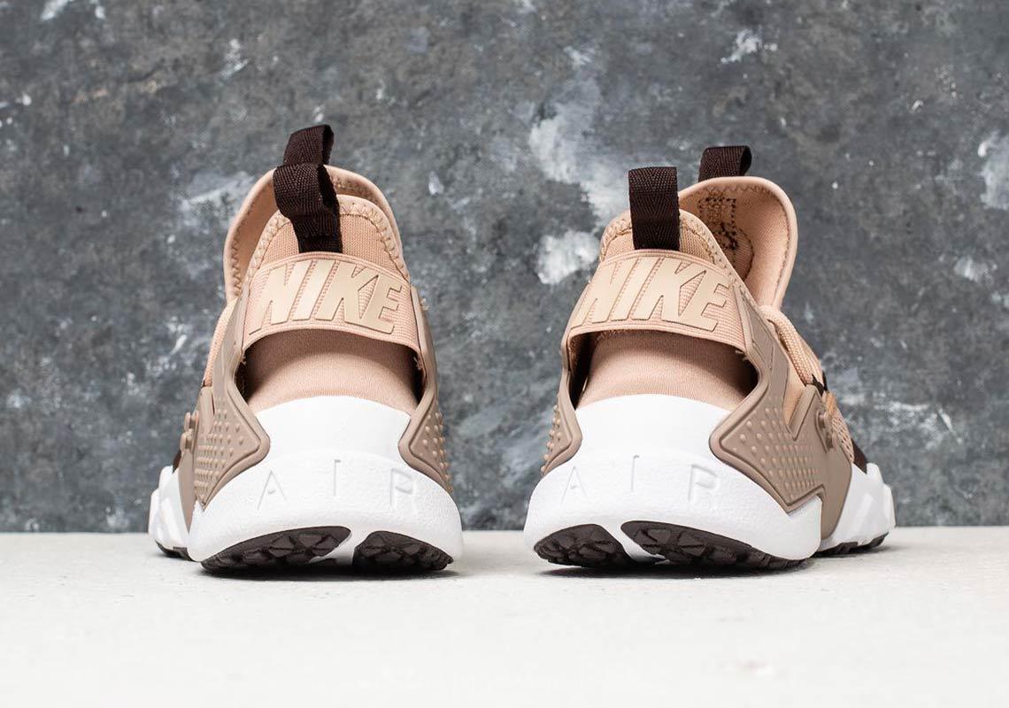 9457dd1804ad Nike Air Huarache Drift Breathe AVAILABLE AT Footshop 136 € Color  Clay  Green Deep Jungle-Black