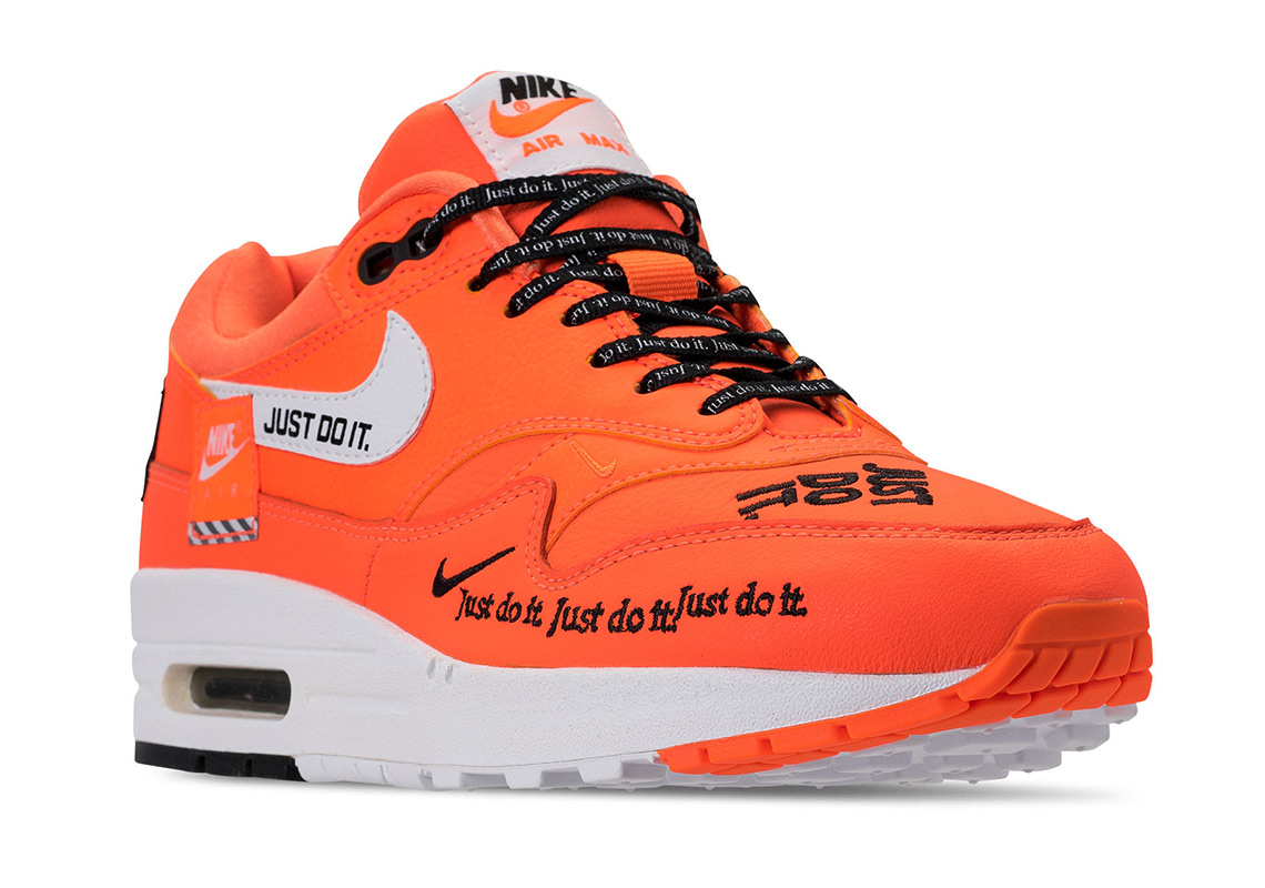 "16f74c94ea0ed ... Nike Air Max 1 ""Just Do It"" ""(White). LuisaviaromaAvailable  Overkill3  AM EST 9AM CEST  43einhalb3 AM EST 9AM CEST"