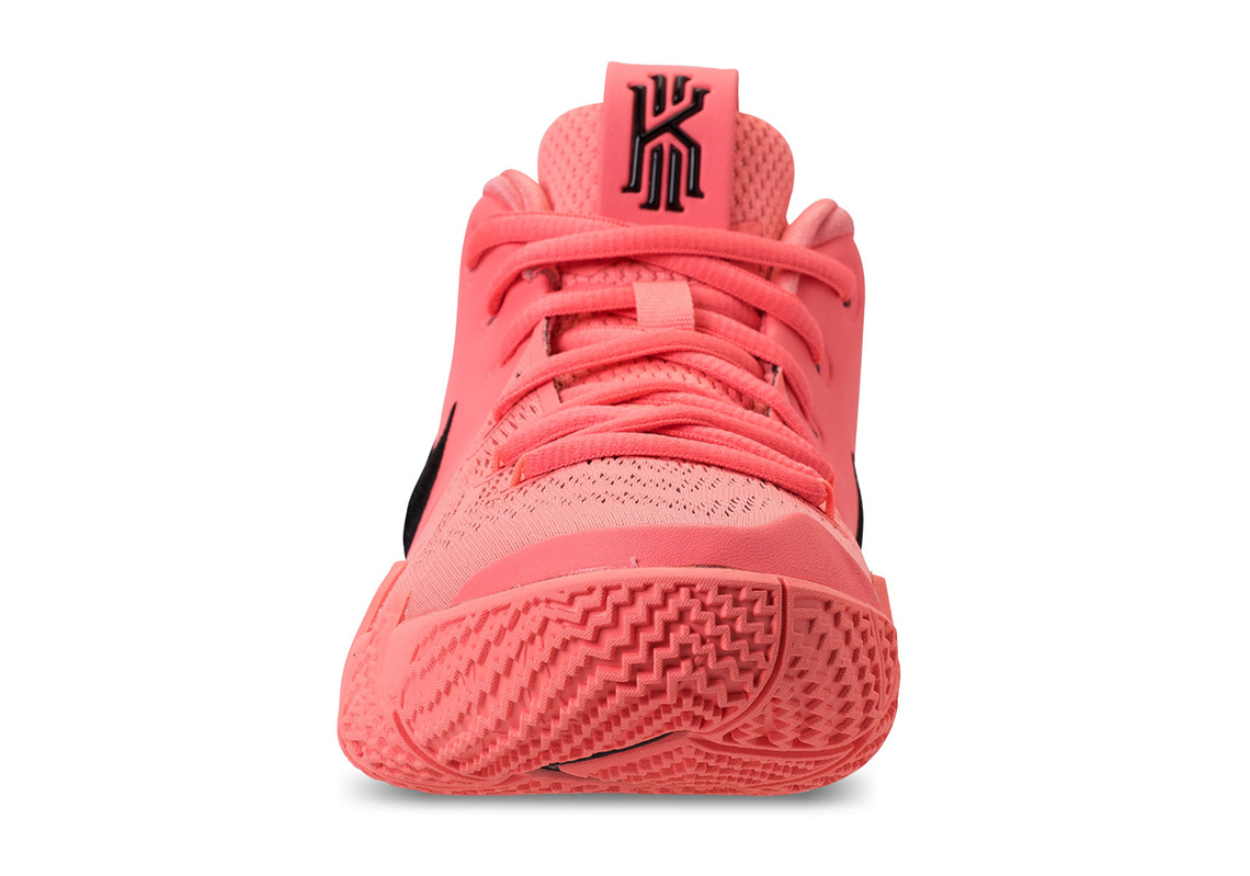 hot pink kyrie 4