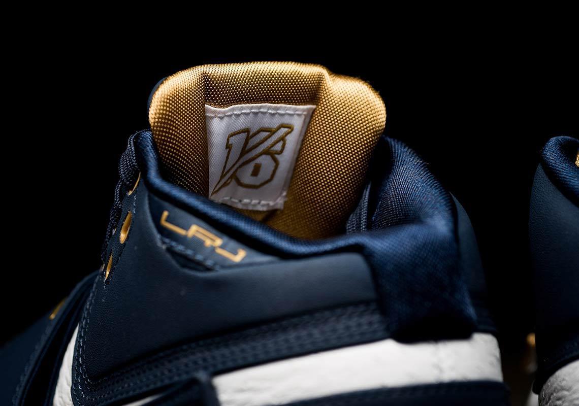 the best attitude 98bae 9bdee Nike Zoom LeBron Soldier