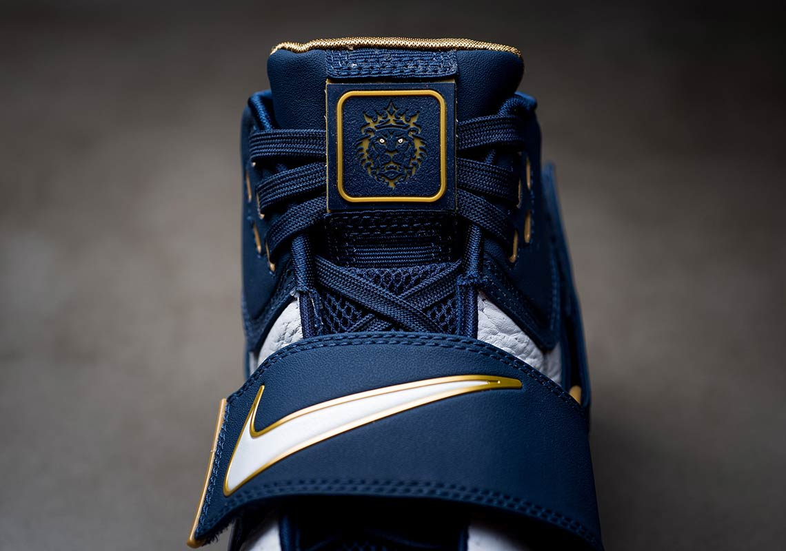 the best attitude d2872 8d370 Nike Zoom LeBron Soldier