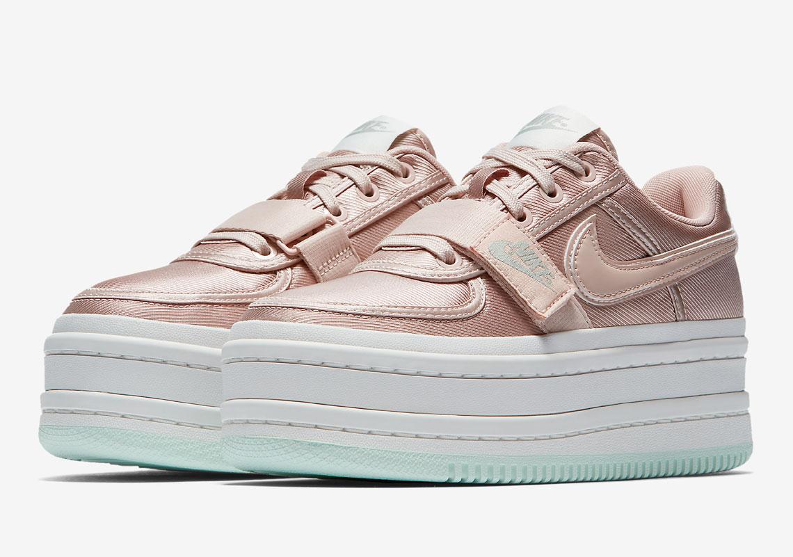 Bastante secretamente escanear  Nike Vandal Surprise AO2868-400 + AO2868-200   SneakerNews.com