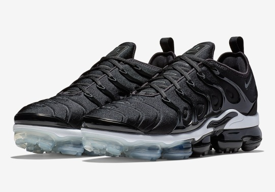 Expect The Nike Vapormax Plus In A Simple Black/White Colorway