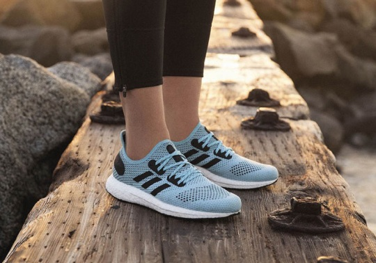 The adidas Speedfactory AM4LA Features Parley's Recycled Ocean Plastics