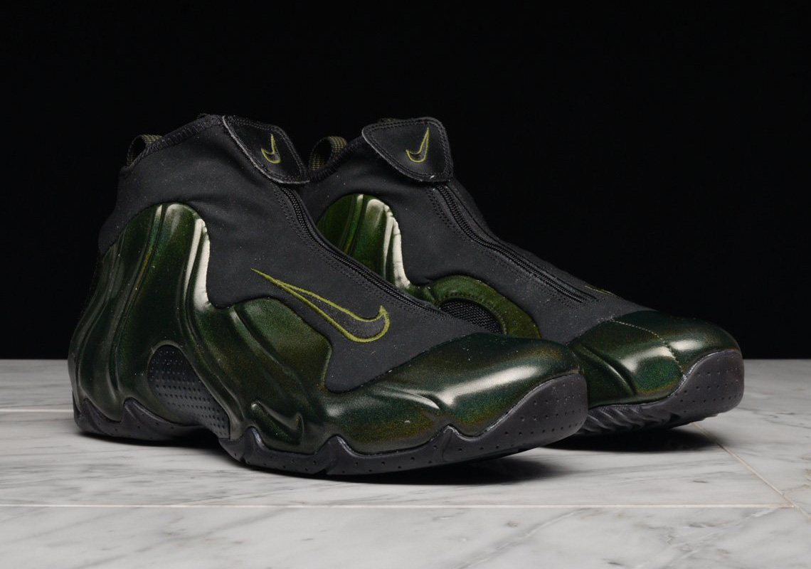 buy popular 8053f 36f05 The Nike Air Flightposite One Makes A Surprise Return