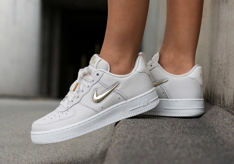 nike air force 1 low gold jewel swoosh photos. Black Bedroom Furniture Sets. Home Design Ideas