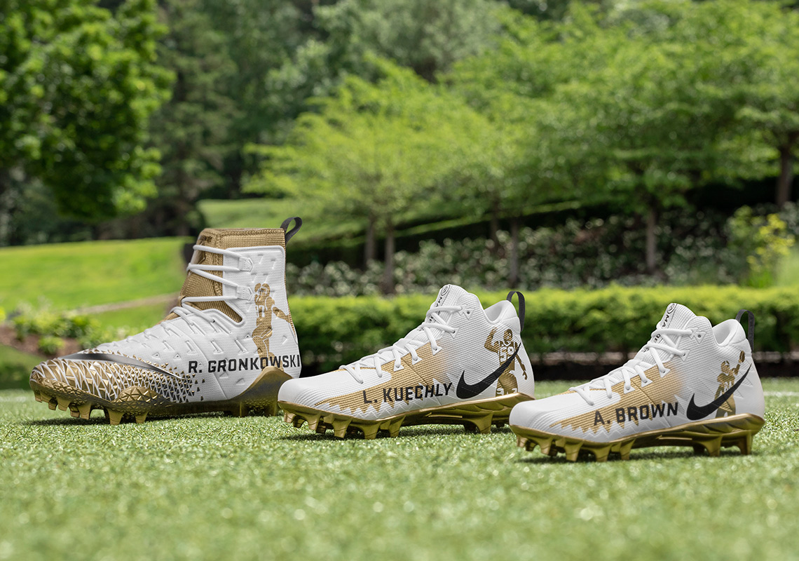 533923c97a8693 Nike Honors 99 Rated Madden 19 Players With Custom Cleats