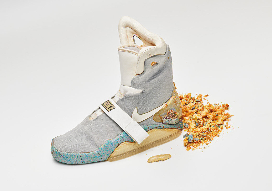Nike Mag Back To The Future II Original Marty McFly Shoe Auction ... de80269bf007