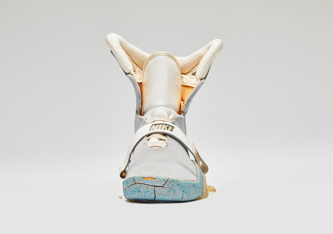 ac55c99c3cd6 Nike Mag Back To The Future II Original Marty McFly Shoe Auction ...
