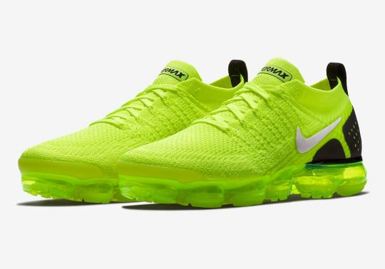 """The Nike Air Vapormax Flyknit 2.0 Receives a Bright """"Volt"""" Colorway"""