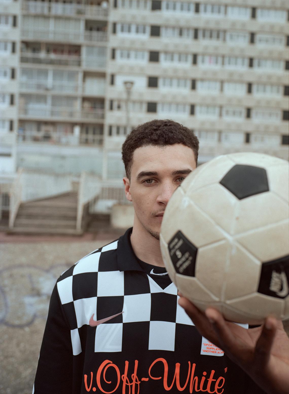 9f8c554d9387 off-white-nike-virgil-abloh-soccer-football-mon-amour-collection-34.jpg