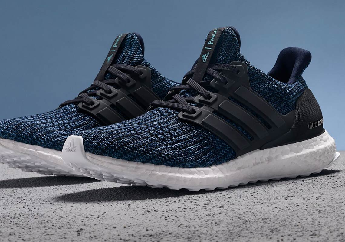 Review: Adidas Ultra BOOST 4.0 (Navy Multi Color) BB6165