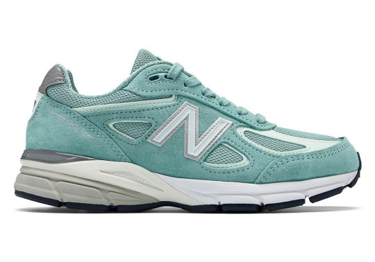 A Light Mineral Sage Comes To The New Balance 990v4