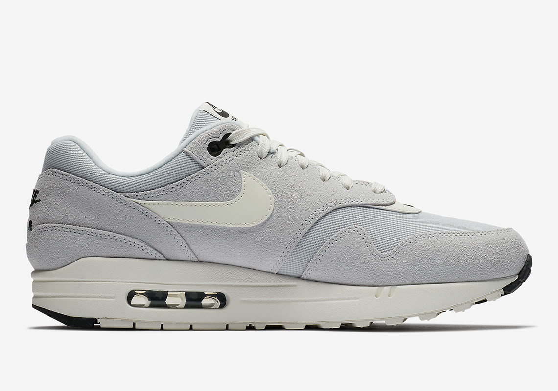 a7aa3189edea61 Nike Air Max 1 MIni-Swoosh 875844-006 Buy Now