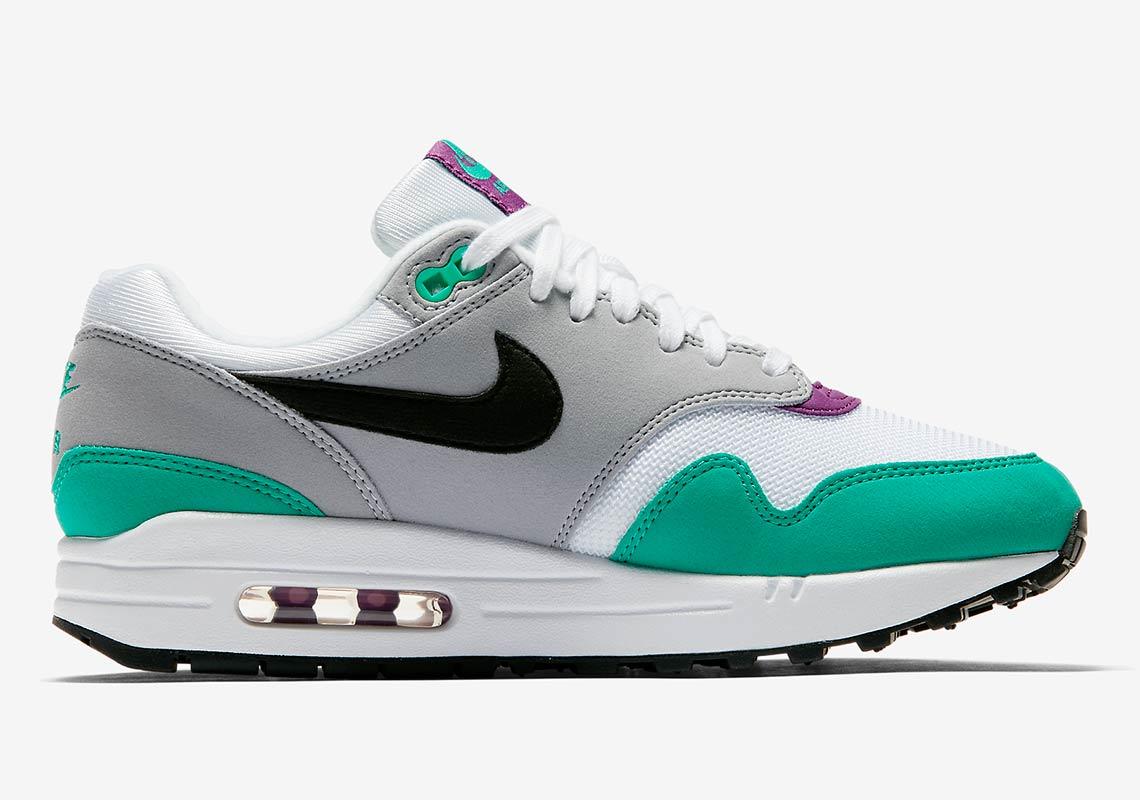 Clear Bottom Nike Shoe
