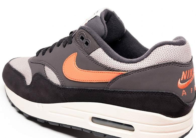 premium selection 0be75 ef96c Nike Air Max 1. AVAILABLE AT Asphalt Gold 135,00 € Color Oil GreyWild  Mango-Thunder Grey