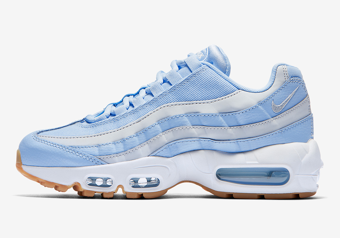 5c1bb3a368 This Picnic-Ready Nike Air Max 95 Adds Canvas Twill Uppers