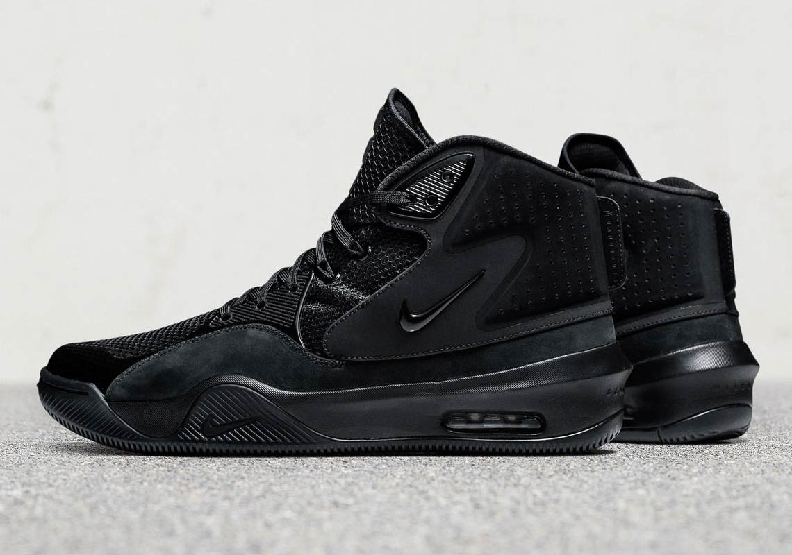 Russell Wilson Gets His Own Nike Signature Shoe For The Streets 1996e4c59