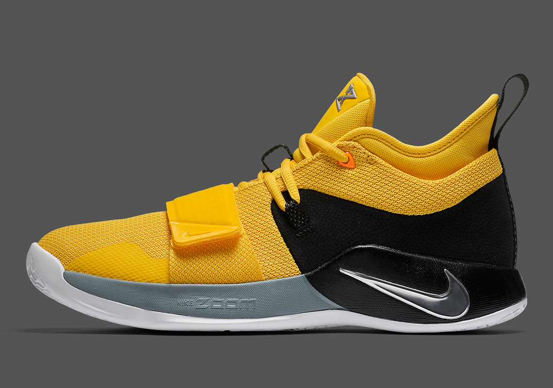 newest 541c0 83c06 Nike PG 2.5 Amarillo Chrome Black BQ8452-700 | SneakerNews.com