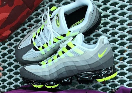 ec7ab6ef7ca6f4 First Look At The Nike Vapormax 95 In The OG Neon Colorway