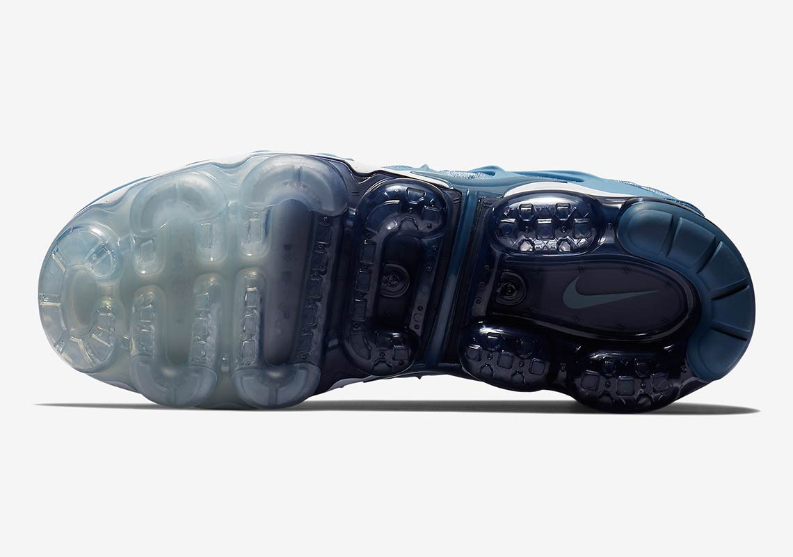 7471d3ab01d Nike Vapormax Plus  190. Color  Work Blue Cool Grey-Diffused Blue-White  Style Code  924453-402. Advertisement. Advertisement