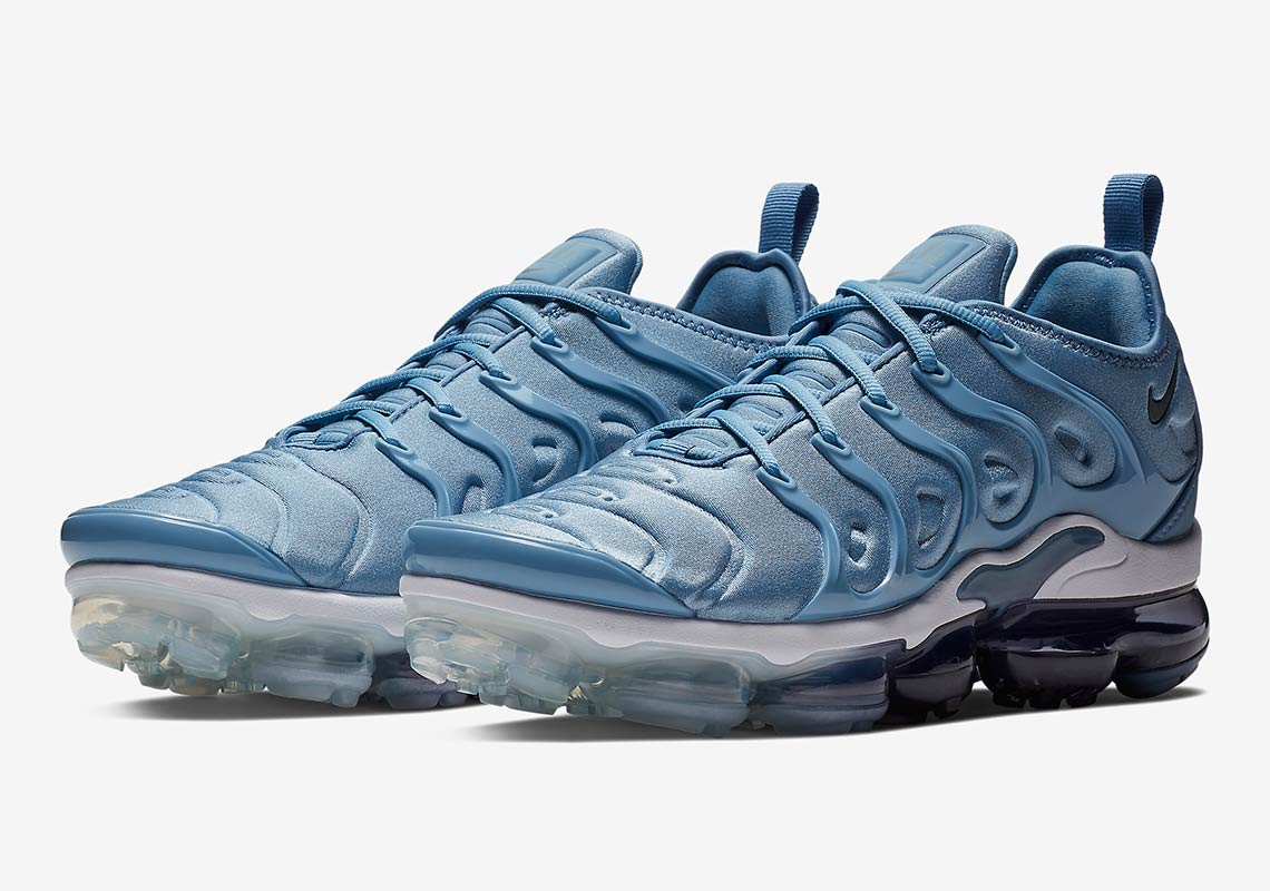 "new style 93ef4 f6bd1 Nike Vapormax Plus ""Work Blue"" Is Hitting Stores Soon"