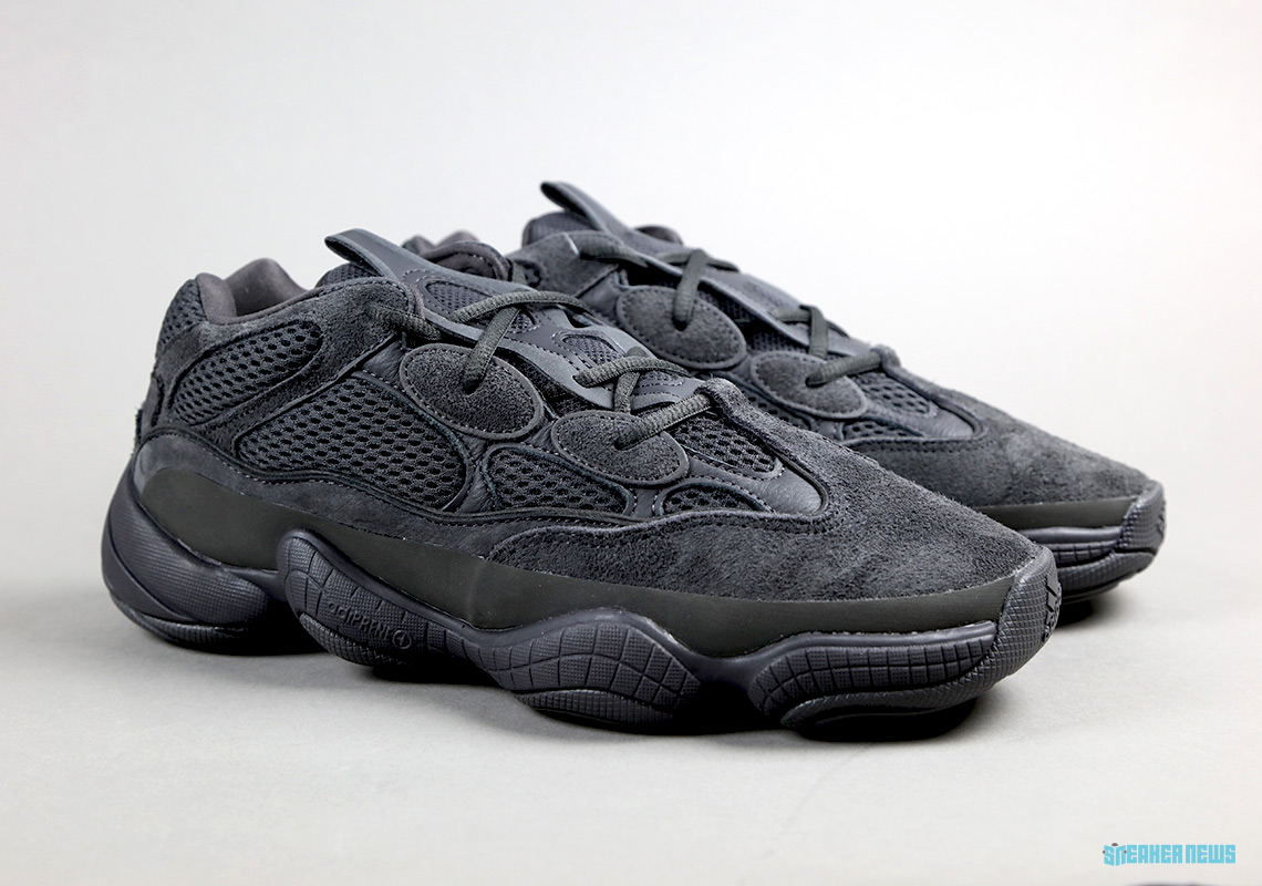 63887265bb2ab adidas Yeezy 500 Utility Black - Unboxing Video