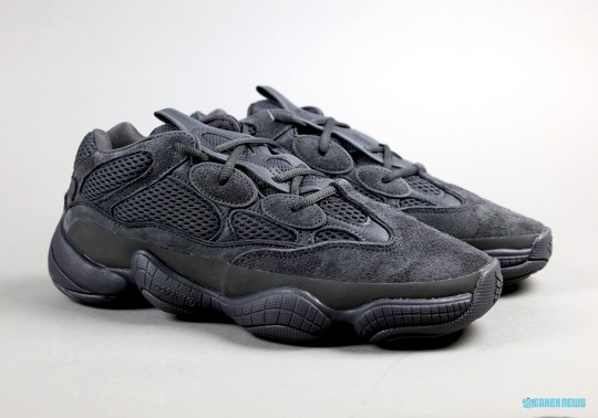 "Unboxing The adidas Yeezy 500 ""Utility Black"""