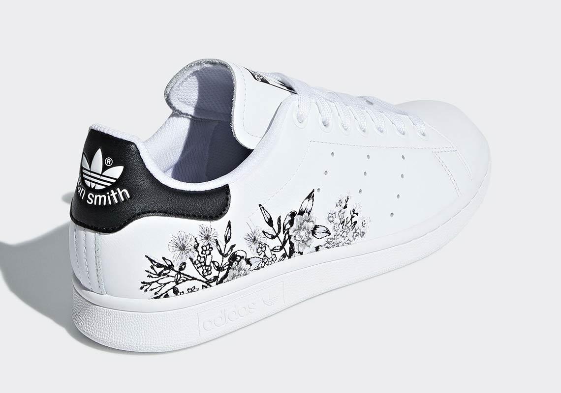 adidas Stan Smith  100. Color  Cloud White Cloud White Gold Metallic 5ec9e08c7