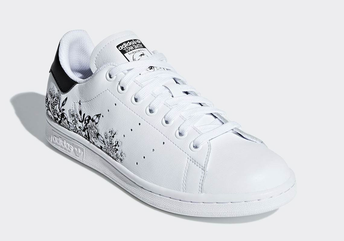 9084aed7374d adidas Stan Smith  100. Color  Cloud White Cloud White Gold Metallic